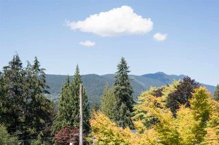 Photo 11: 4740 CEDARCREST Avenue in North Vancouver: Canyon Heights NV House for sale : MLS®# R2129725