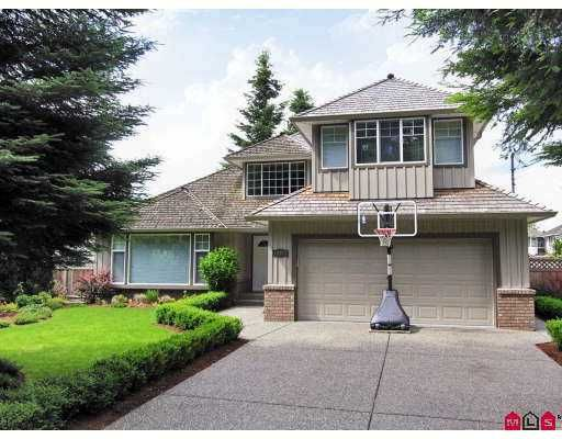 Main Photo: 20527 93A Avenue in Langley: Walnut Grove House for sale : MLS®# F2715834
