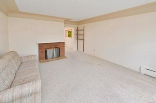Photo 15: 1960 CARNARVON St in : SE Camosun House for sale (Saanich East)  : MLS®# 884485