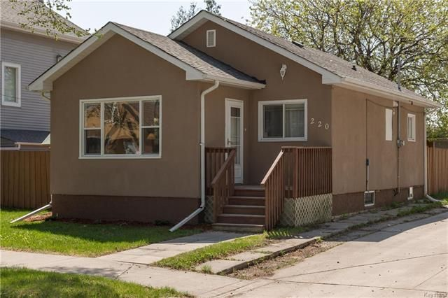 FEATURED LISTING: 220 Harvard Avenue Winnipeg