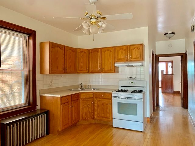 Photo 9: Photos: 2147 Superior Street in Chicago: CHI - West Town Rentals for rent ()  : MLS®# 10545457