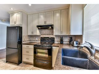 """Photo 7: 146 15501 89A Avenue in Surrey: Fleetwood Tynehead Townhouse for sale in """"AVONDALE"""" : MLS®# R2058402"""