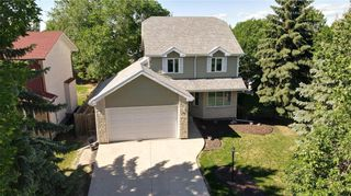 Photo 3: 3 Fairland Cove in Winnipeg: Richmond West Residential for sale (1S)  : MLS®# 202114937