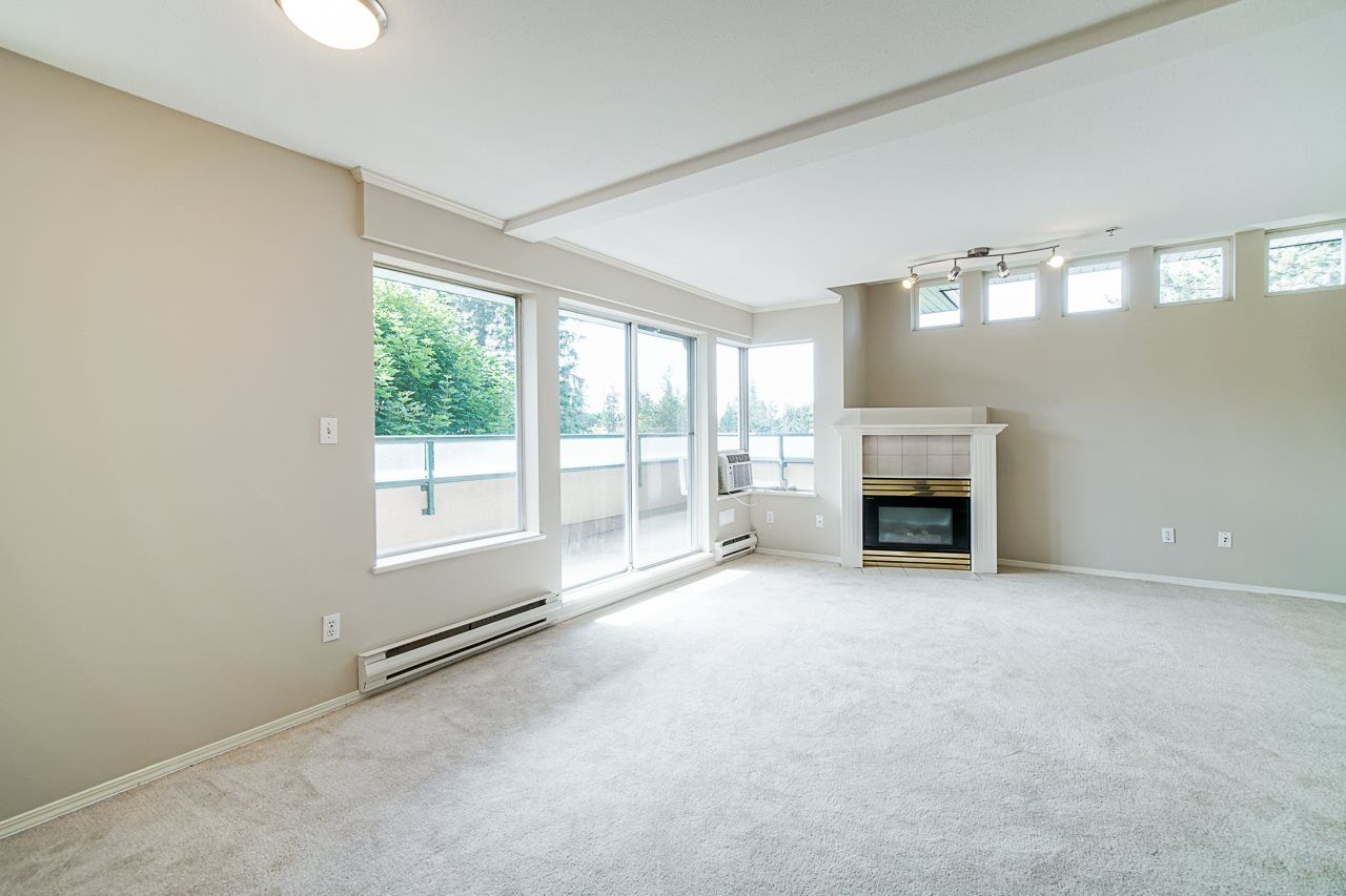 Photo 11: Photos: 306 2962 TRETHEWEY STREET in Abbotsford: Abbotsford West Condo for sale : MLS®# R2470028