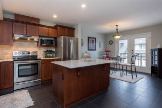 """Photo 4: 9 46840 RUSSELL Road in Sardis: Promontory Townhouse for sale in """"TIMBER RIDGE"""" : MLS®# R2443853"""