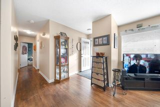 Photo 2: 283 Northmount Drive NW in Calgary: Thorncliffe Detached for sale : MLS®# A1074443