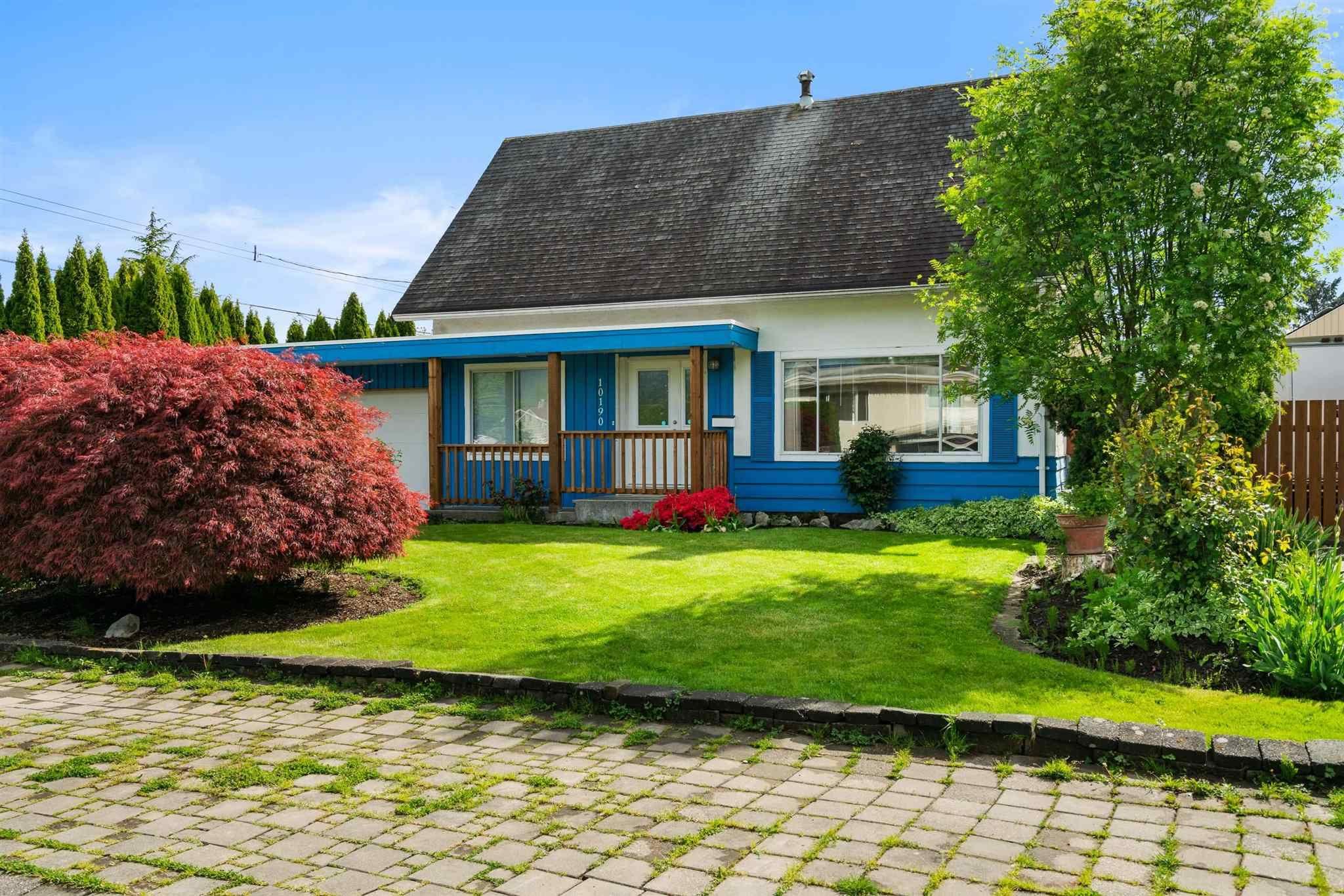 Main Photo: 10190 HYMAR Drive in Chilliwack: Fairfield Island House for sale : MLS®# R2593836