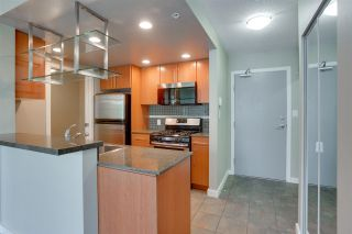 """Photo 8: 305 550 PACIFIC Street in Vancouver: Yaletown Condo for sale in """"AQUA AT THE PARK"""" (Vancouver West)  : MLS®# R2580655"""