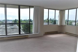 Photo 5: 605 6540 BURLINGTON AVENUE in Burnaby: Metrotown Condo for sale (Burnaby South)  : MLS®# R2222166