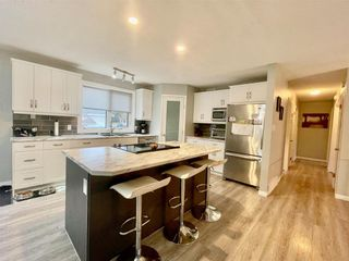 Photo 4: 101 Park Crescent in Dauphin: R30 Residential for sale (R30 - Dauphin and Area)  : MLS®# 202125015