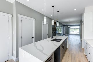Photo 9: 8805 STRATHEARN Drive in Edmonton: Zone 18 House for sale : MLS®# E4246392