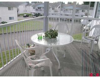 """Photo 8: 32691 GARIBALDI Drive in Abbotsford: Abbotsford West Townhouse for sale in """"CARRIAGE LANE"""" : MLS®# F2626920"""