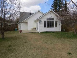 Photo 2: 4907 51 Street: Lougheed House for sale : MLS®# E4183655