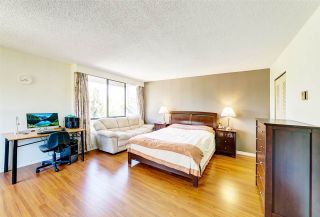 """Photo 8: T6002 3980 CARRIGAN Court in Burnaby: Government Road Townhouse for sale in """"Discovery Place I"""" (Burnaby North)  : MLS®# R2421272"""