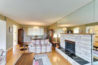 """Photo 3: 5245 EGLINTON Street in Burnaby: Deer Lake Place House for sale in """"DEER LAKE PLACE"""" (Burnaby South)  : MLS®# R2275993"""