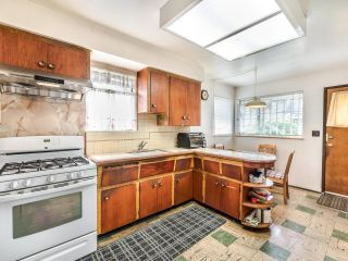Photo 9: 950 E 17TH AVENUE in Vancouver: Fraser VE House for sale (Vancouver East)  : MLS®# R2601203