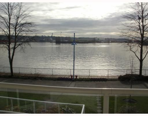 "Main Photo: 220 1150 QUAYSIDE Drive in New Westminster: Quay Condo for sale in ""WESTPORT"" : MLS®# V802014"