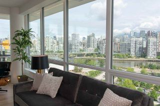 "Photo 7: PH1801 1788 COLUMBIA Street in Vancouver: False Creek Condo for sale in ""EPIC AT WEST"" (Vancouver West)  : MLS®# R2530765"