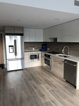 Photo 1: 208 3451 SAWMILL CRESCENT in Vancouver: South Marine Condo  (Vancouver East)  : MLS®# R2487361