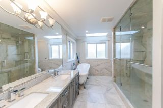 """Photo 19: 8231 SUNNYWOOD Drive in Richmond: Broadmoor House for sale in """"Broadmore"""" : MLS®# R2477217"""