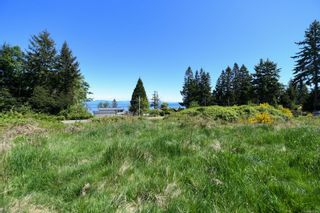 Photo 1: 2267 Seabank Rd in : CV Courtenay North Land for sale (Comox Valley)  : MLS®# 876071