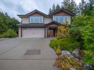"Photo 1: 4995 BAY Road in Sechelt: Sechelt District House for sale in ""Davis Bay"" (Sunshine Coast)  : MLS®# R2304196"