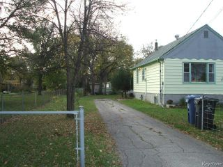 Photo 2: 14 Berrydale Avenue in WINNIPEG: St Vital Residential for sale (South East Winnipeg)  : MLS®# 1424942