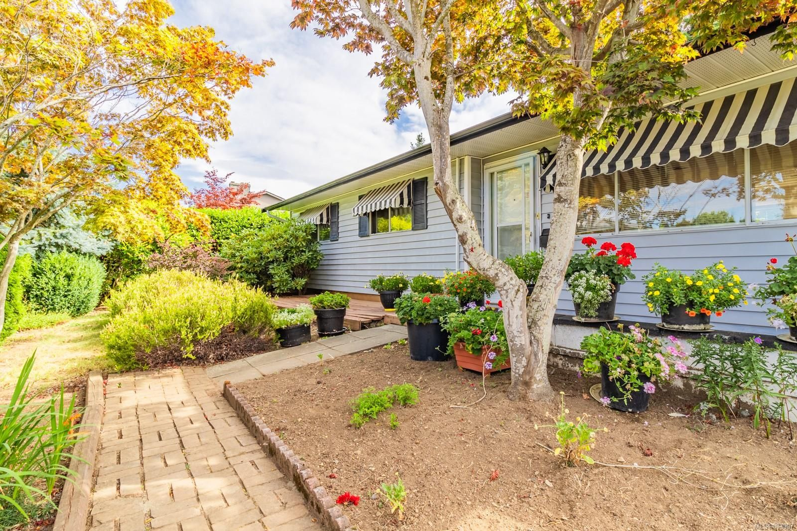 Main Photo: 130 Wildlife Pl in : Na University District House for sale (Nanaimo)  : MLS®# 883997
