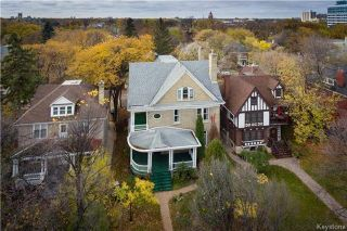 Photo 1: 82 Balmoral Street in Winnipeg: Residential for sale (5A)  : MLS®# 1727222