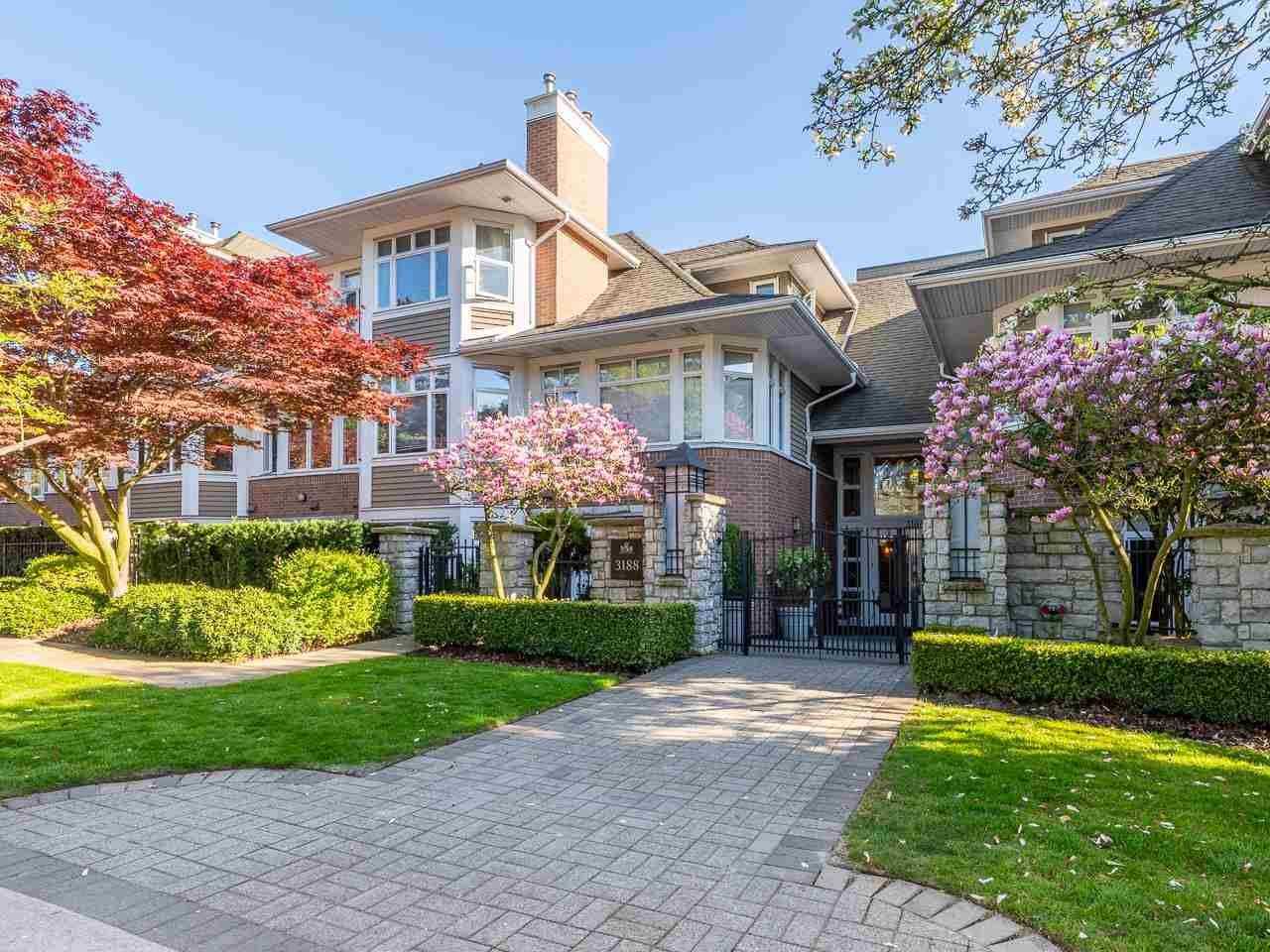 """Main Photo: 114 3188 W 41ST Avenue in Vancouver: Kerrisdale Condo for sale in """"Lanesborough"""" (Vancouver West)  : MLS®# R2573376"""
