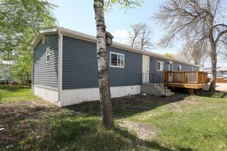 Photo 1: 14 Aspen One Drive in Steinbach: R16 Residential for sale : MLS®# 202112070