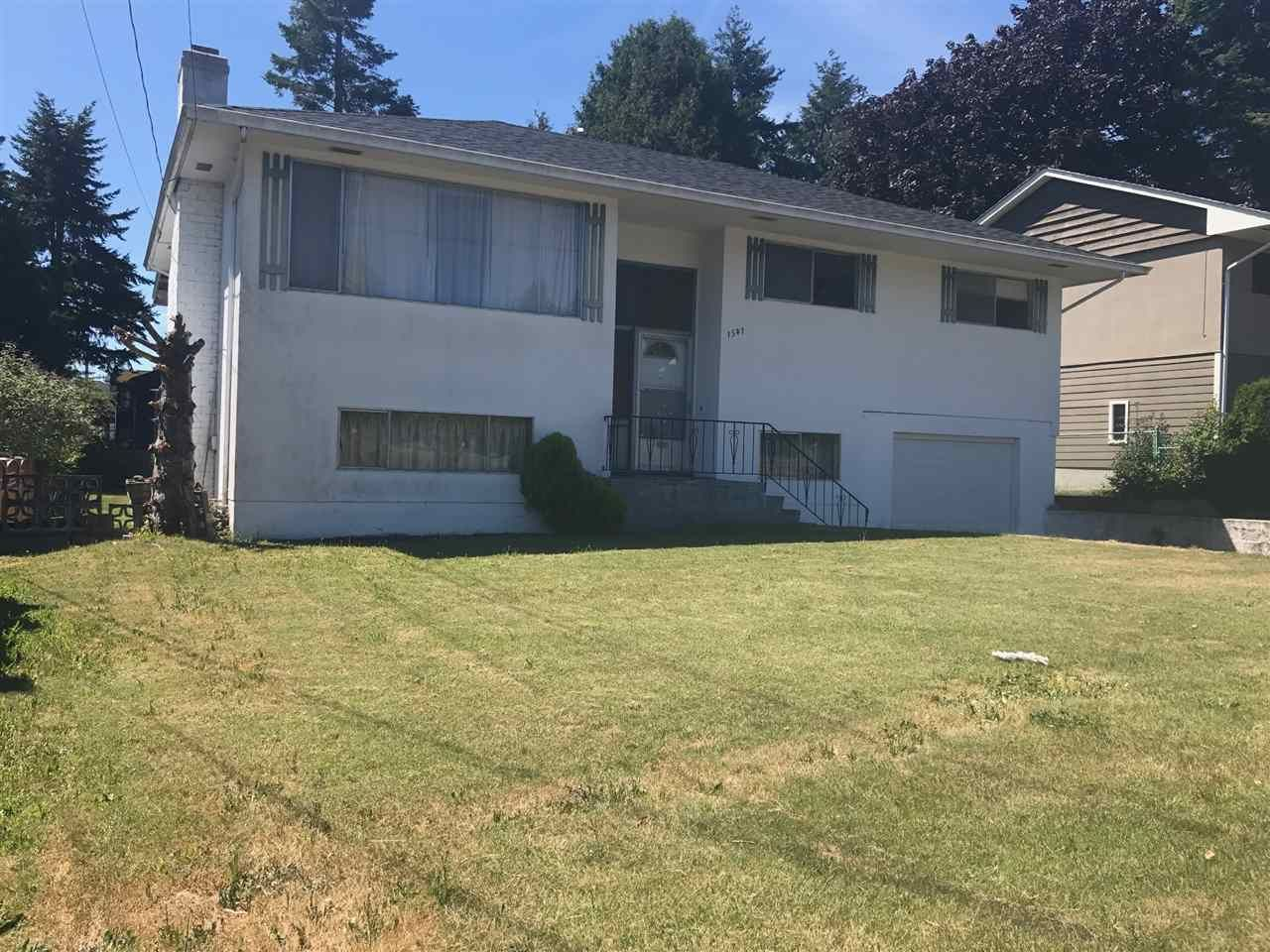 Main Photo: 1541 CHESTNUT Street: White Rock House for sale (South Surrey White Rock)  : MLS®# R2185573