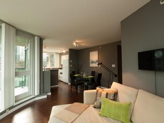 """Photo 23: 606 588 BROUGHTON Street in Vancouver: Coal Harbour Condo for sale in """"HARBOURSIDE PARK"""" (Vancouver West)  : MLS®# V929712"""