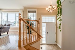 Photo 2: 123 Capstone Crescent in West Bedford: 20-Bedford Residential for sale (Halifax-Dartmouth)  : MLS®# 202123038