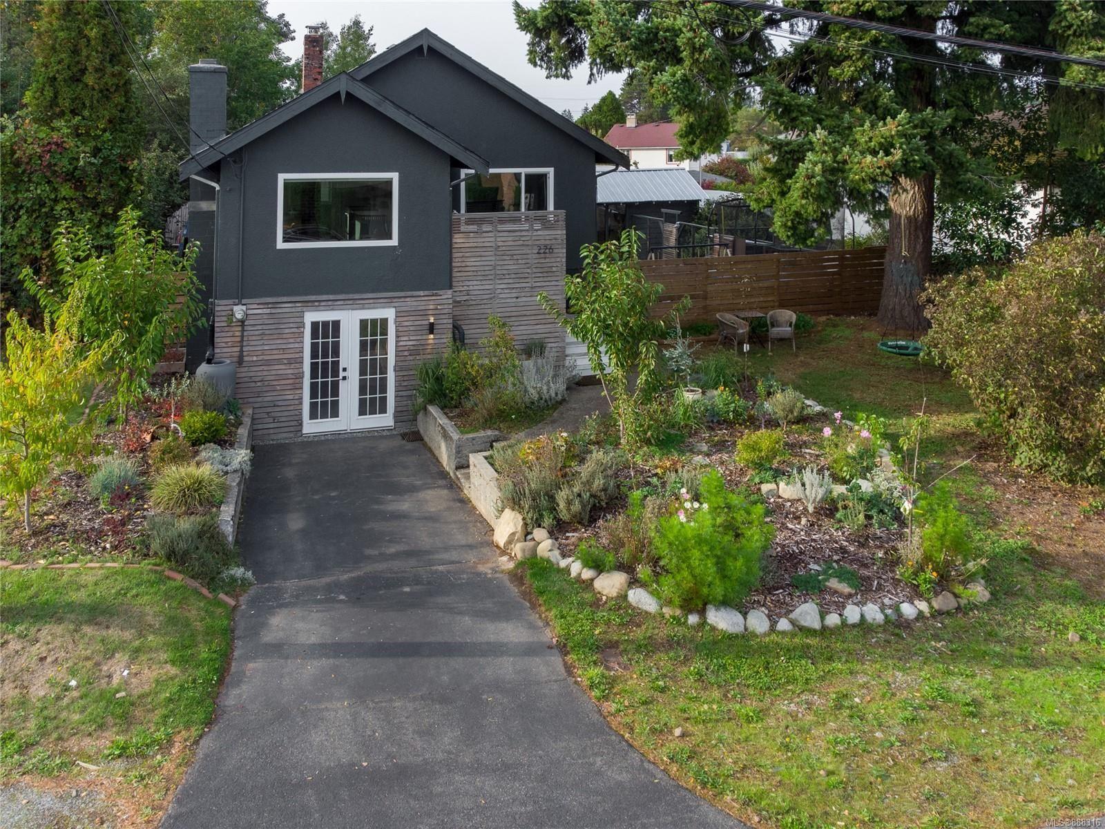 Main Photo: 226 Harewood Rd in Nanaimo: Na South Nanaimo House for sale : MLS®# 888316