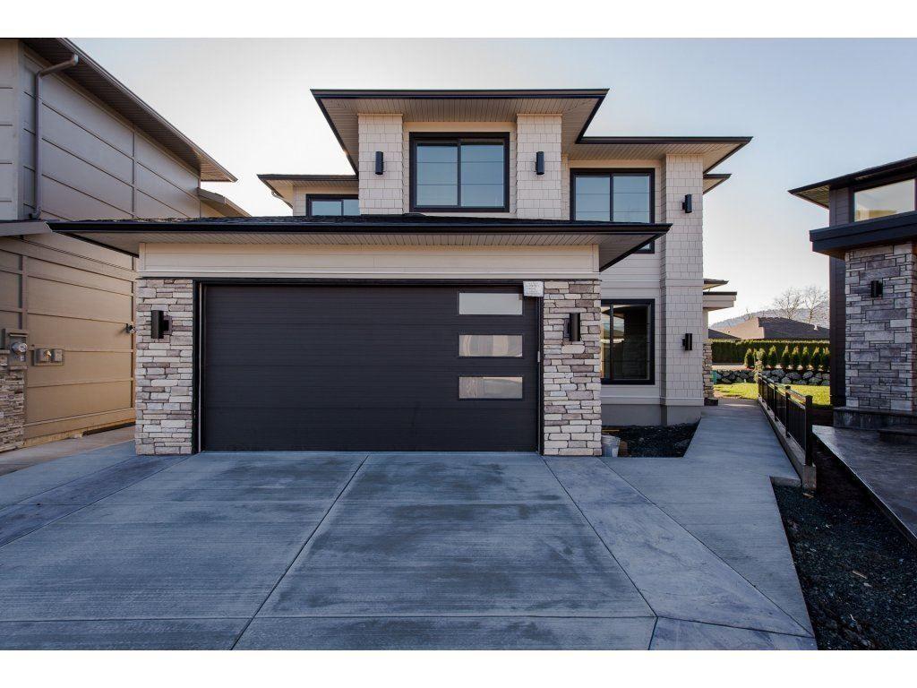 "Main Photo: 45926 BIRDIE Place in Sardis: Sardis East Vedder Rd House for sale in ""The Fairways at Higginson Estates"" : MLS®# R2220610"