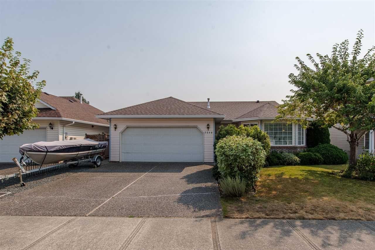 """Main Photo: 7546 GARNET Drive in Sardis: Sardis West Vedder Rd House for sale in """"Regency Park"""" : MLS®# R2300388"""