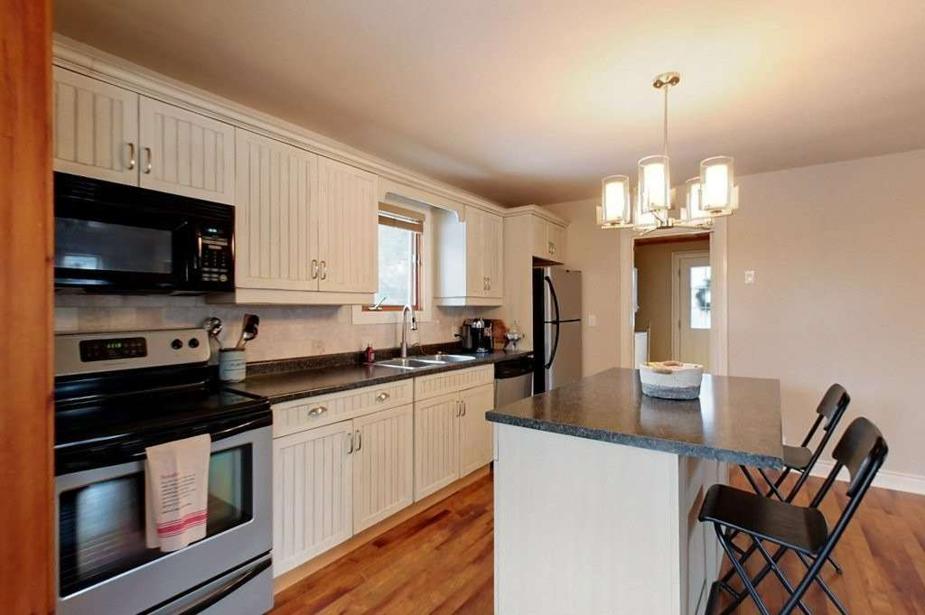 Photo 4: Photos: 270 Birch Street in Blue Mountains: Blue Mountain Resort Area House (1 1/2 Storey) for lease : MLS®# X4837552