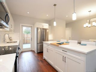 Photo 4: 2 10529 McDonald Park Rd in SIDNEY: Si Sidney North-East Row/Townhouse for sale (Sidney)  : MLS®# 802715