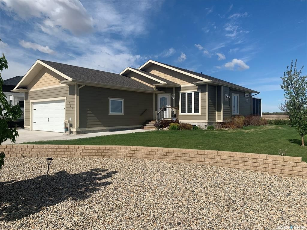 Main Photo: 707 4th Street West in Watrous: Residential for sale : MLS®# SK857182