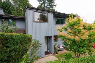 """Photo 2: 884 CUNNINGHAM Lane in Port Moody: North Shore Pt Moody Townhouse for sale in """"WOODSIDE VILLAGE"""" : MLS®# R2617307"""