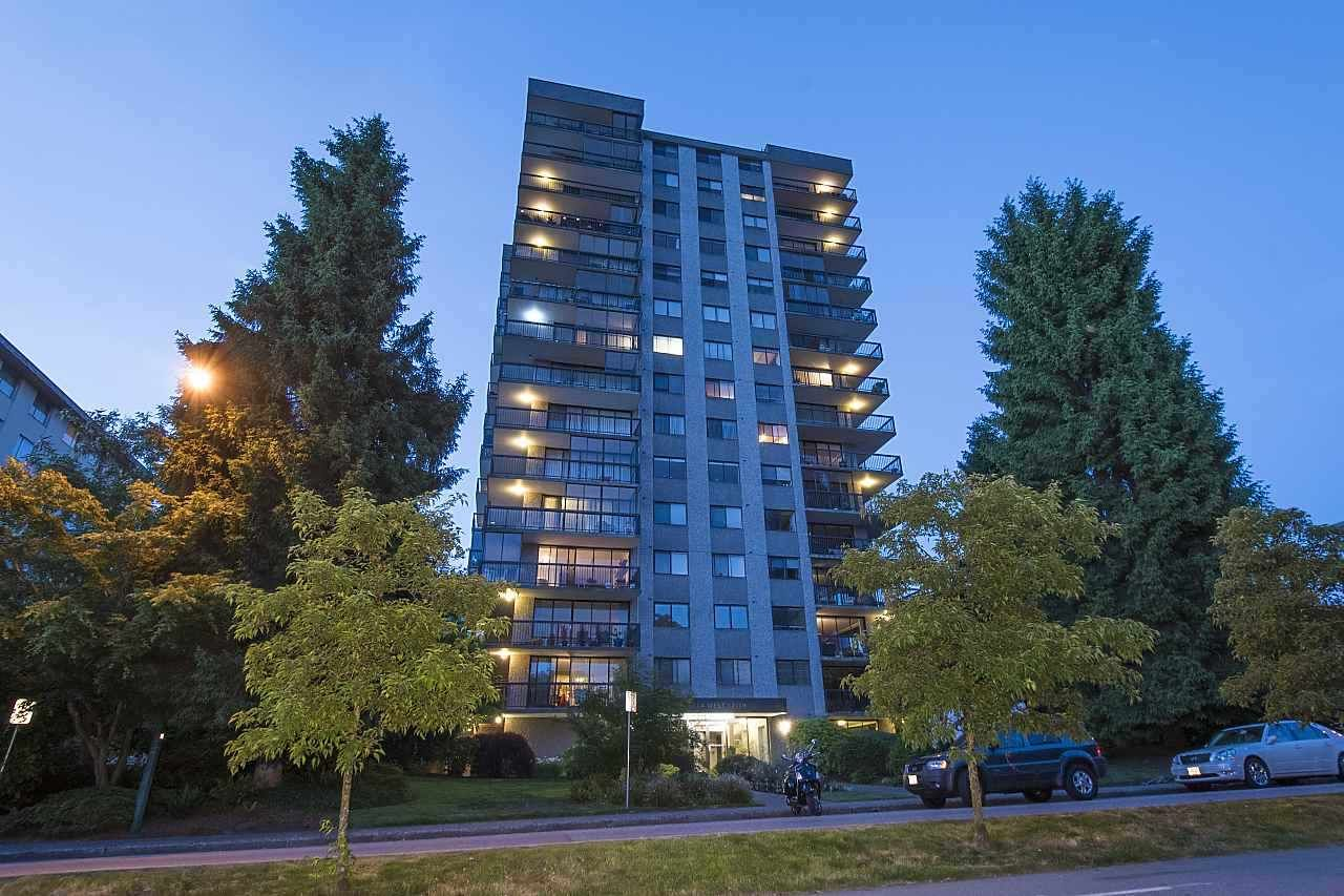 Main Photo: 703 114 W KEITH ROAD in North Vancouver: Central Lonsdale Condo for sale : MLS®# R2426357