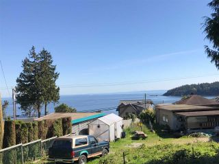 Photo 1: 6220 SUNSHINE COAST Highway in Sechelt: Sechelt District House for sale (Sunshine Coast)  : MLS®# R2140615