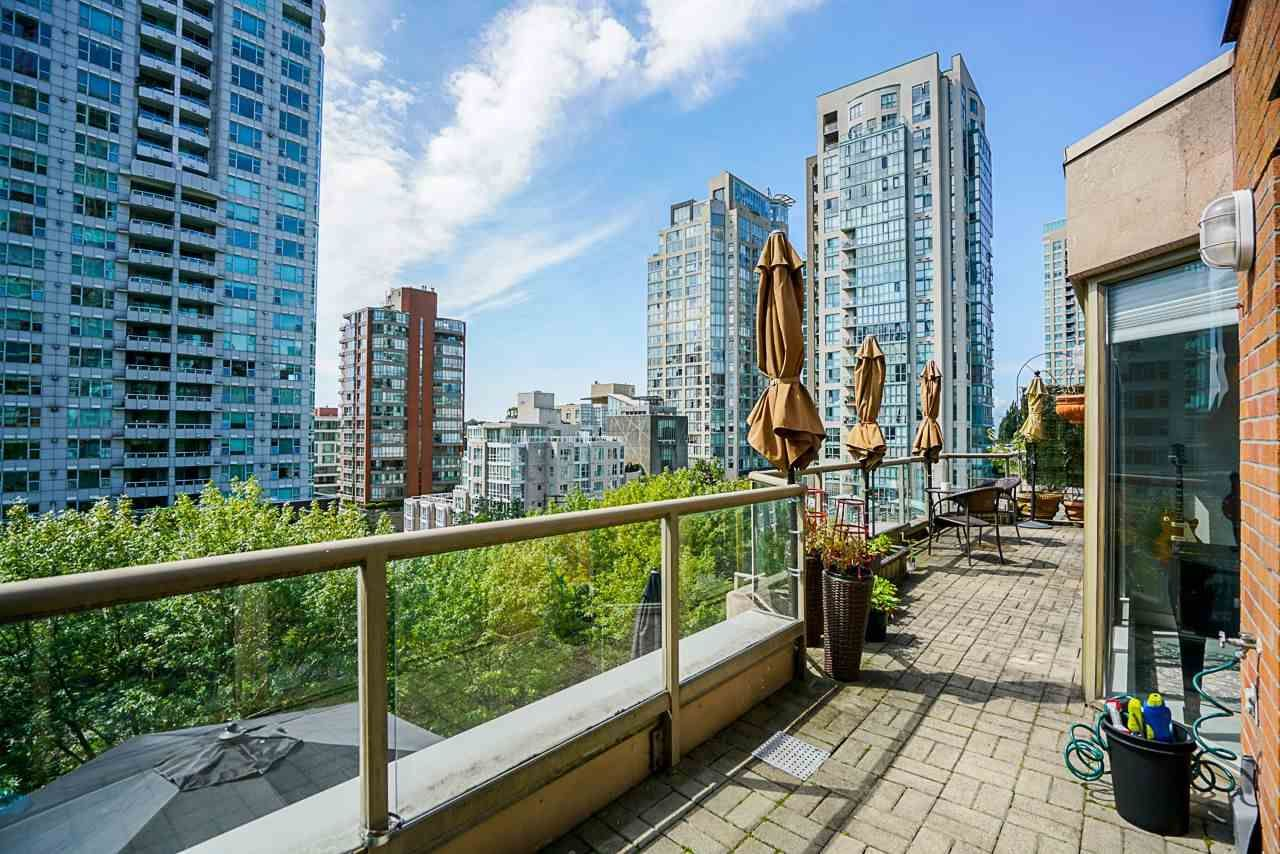 "Main Photo: 602 1488 HORNBY Street in Vancouver: Yaletown Condo for sale in ""Pacific Promenade"" (Vancouver West)  : MLS®# R2500207"
