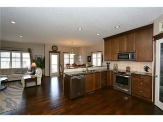 Photo 3: 14 WEST POINTE Manor: Cochrane House for sale : MLS®# C4108329