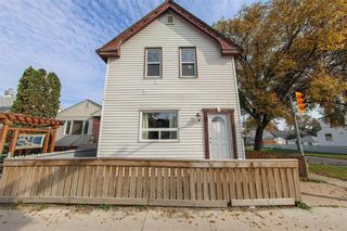 Photo 2: 215 Johnson Avenue in Winnipeg: Elmwood Residential for sale (3A)  : MLS®# 202124211