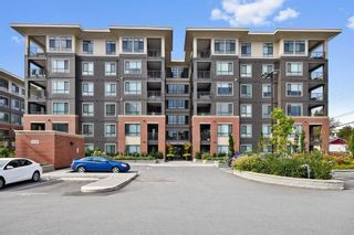 """Photo 2: 606 33530 MAYFAIR Avenue in Abbotsford: Central Abbotsford Condo for sale in """"The Residences at Gateway"""" : MLS®# R2524075"""