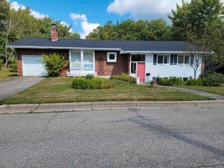 Photo 1: 11 Marlborough Drive in Sydney: 201-Sydney Residential for sale (Cape Breton)  : MLS®# 202122514