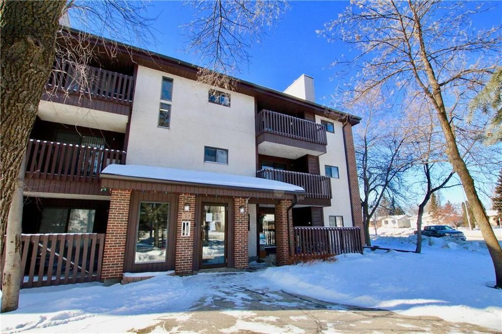 Main Photo: 315 32 Novavista Drive in Winnipeg: Meadowood Condominium for sale (2E)  : MLS®# 202102721
