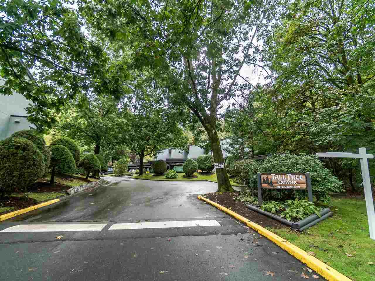 """Main Photo: 210 JAMES Road in Port Moody: Port Moody Centre Townhouse for sale in """"TALL TREE ESTATES"""" : MLS®# R2405921"""
